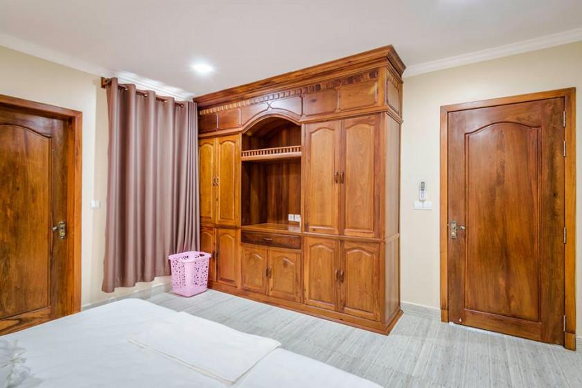 Monorom Apartment