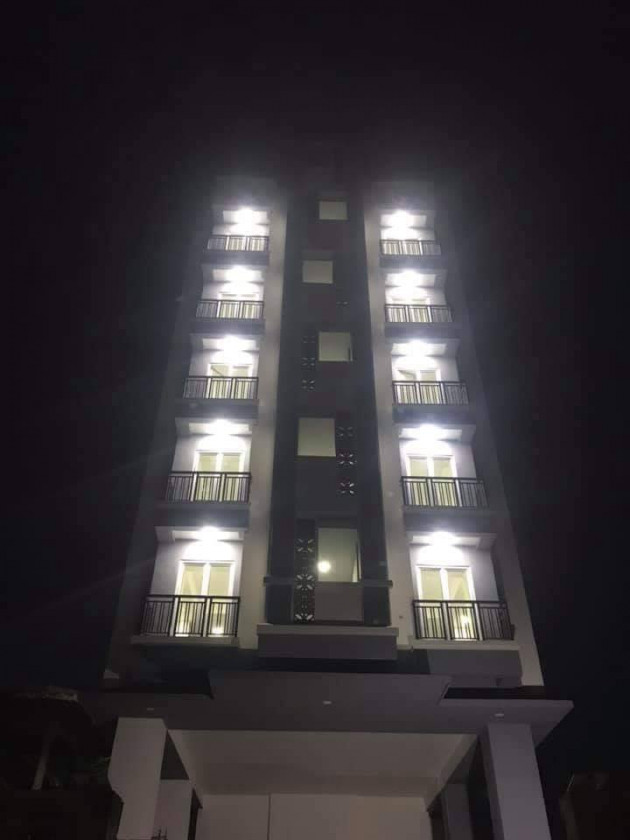 E&M Apartment