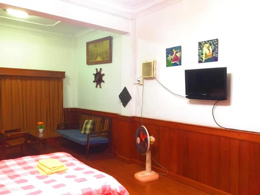 studio near royal palace,national museam,riverside