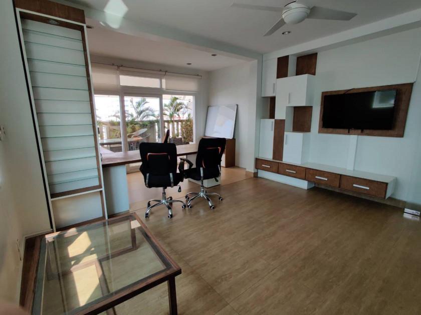 Office space Jewel