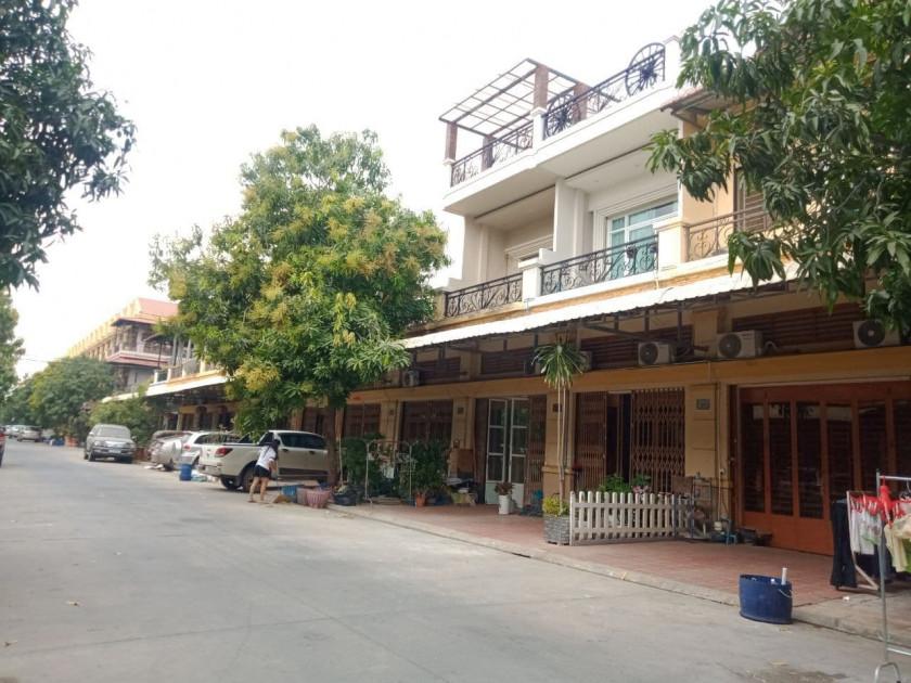 Flat at Borey Piphup Thmei Chouk Meas