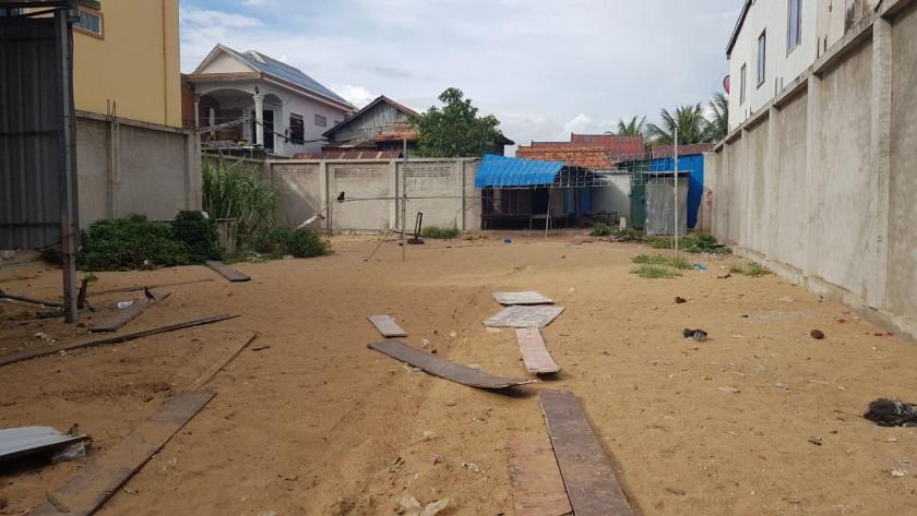 Land at Chroy Changva