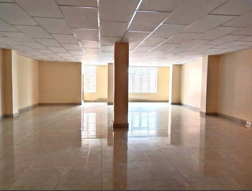 Building at Chbar Ampov