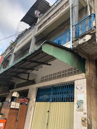 Whole Flat Near Phsar Daeum kor,St. 336 Flat in Phnom Penh