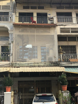Flat At Phsar Daeum Kor, St. 336 Flat in Phnom Penh