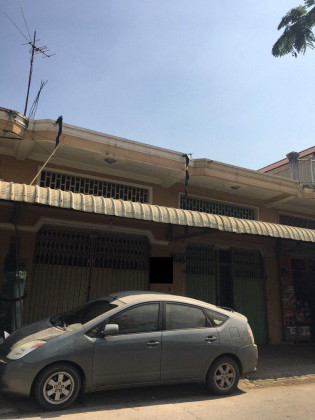 Ground Shop house Flat in Phnom Penh