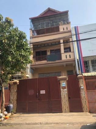 ឃ្លាំជួលជិតផ្សារអូឡាំពិក Flat in Phnom Penh