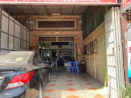 Shophouse  St.355 , Near TK Avenue. Flat in Phnom Penh