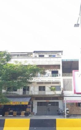 Shophouse near 7Makara bride Flat in Phnom Penh