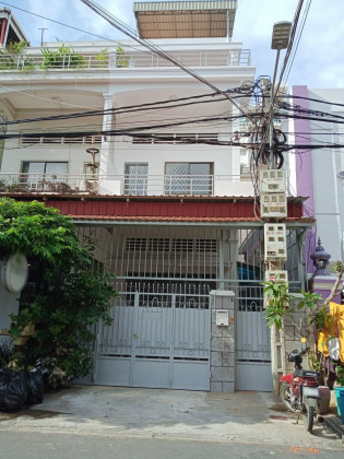 Whole Flat For Rent Flat in Phnom Penh
