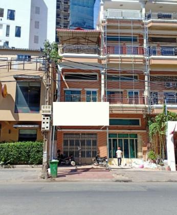 Shophouse  Tonle Basak Flat in Phnom Penh
