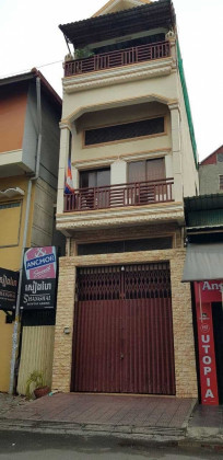 Shophouse At Daun Penh Flat in Phnom Penh