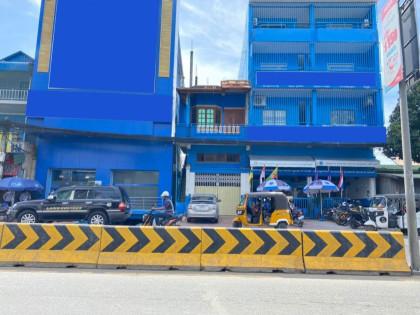 Shophouse  Around Mean Chey Flat in Phnom Penh