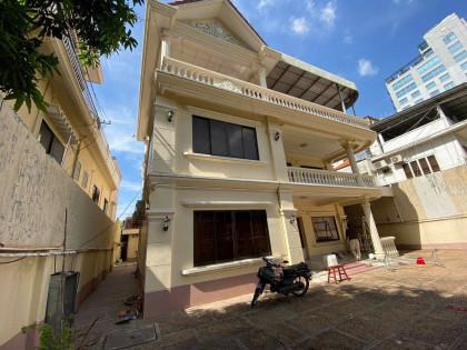 Villa Around Daun Penh Villa in Phnom Penh