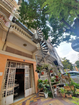 Shophouse At Tonle Basak Flat in Phnom Penh