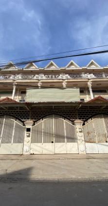 Shophouse Near Toul Kork Market Flat in Phnom Penh