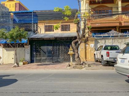 ផ្ទះល្វែងនៅម្តុំបឹងត្របែក Flat in Phnom Penh