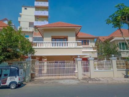 Single Villa Borey Sun Way Toulkok Villa in Phnom Penh