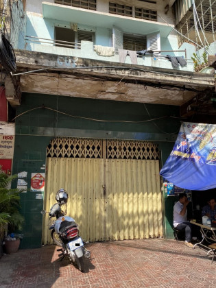 Shophouse Near Ourssey Flat in Phnom Penh
