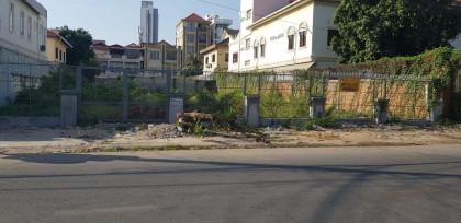 Empty land  Toul kok Land in Phnom Penh