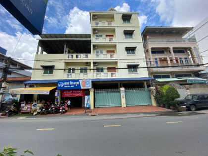 3 Bedroom At Toul Tumpung Apartment in Phnom Penh