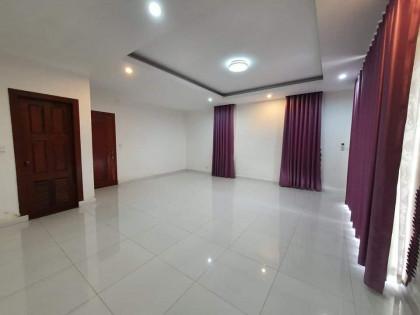 វិឡានៅបុរីវិមានភ្នំពេញ Villa in Phnom Penh