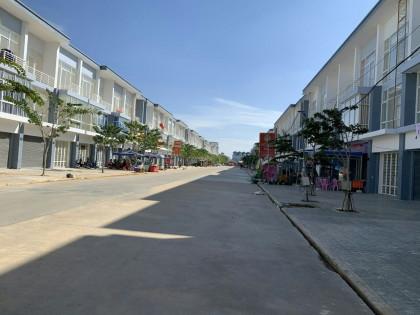 ផ្ទះអាជីវកម្មនៅបុរីវារីណា Flat in Phnom Penh