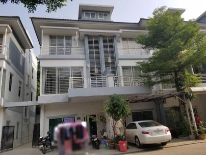 Villa At Peng Hout Steng Mean Chey Villa in Phnom Penh