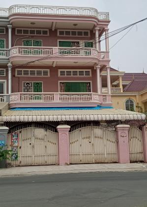 Two Flats Near 7Makara Market Flat in Phnom Penh