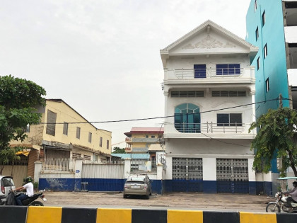 Land For Rent At Preah Monivong Land in Phnom Penh