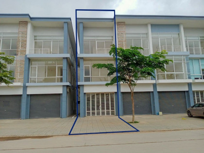 ផ្ទះអាជីវកម្មនៅបុរី វារីណា Flat in Phnom Penh