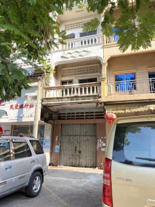 ផ្ទះអាជីវកម្មនៅជិតផ្សារដេប៉ូ Flat in Phnom Penh