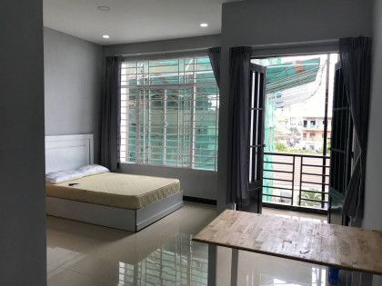 Studio Room At Tonle Basaac Apartment in Phnom Penh