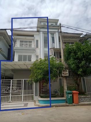 វិឡានៅវិមានពិភពថ្មី Villa in Phnom Penh