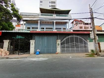 ផ្ទះសម្រាប់ជួល នៅទួលទំពូង Flat in Phnom Penh