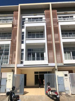 LA Villa In Koh Pich Villa in Phnom Penh