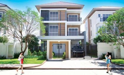 ផ្ទះវីឡានៅបុរីប៉េង ហួតបឹងស្នោ Villa in Phnom Penh