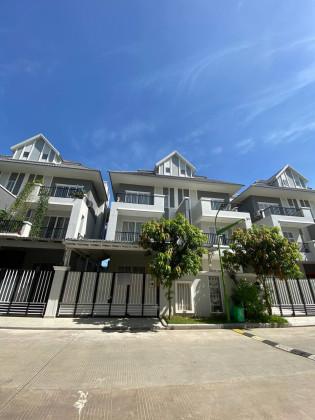 វីឡាសម្រាប់ជួលនៅបុរីភ្នំពេញថ្មី Villa in Phnom Penh