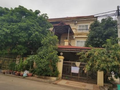 វិឡានៅក្នុងបូរីពិភពថ្មីសែនសុខ Villa in Phnom Penh