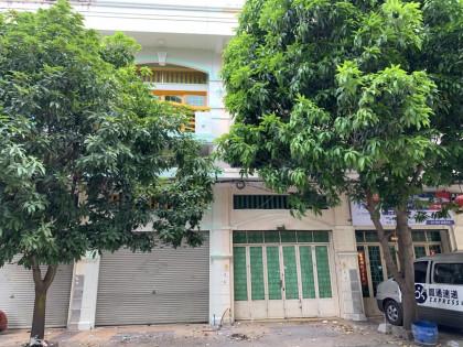 ផ្ទះល្វែងក្នុងបុរីញ៉ូថោនពោធ៏ចិនតុង Flat in Phnom Penh