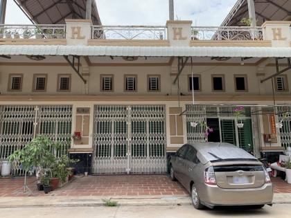 ផ្ទះល្វែងនៅបូរី ហុកលីច្បារអំពៅ Flat in Phnom Penh