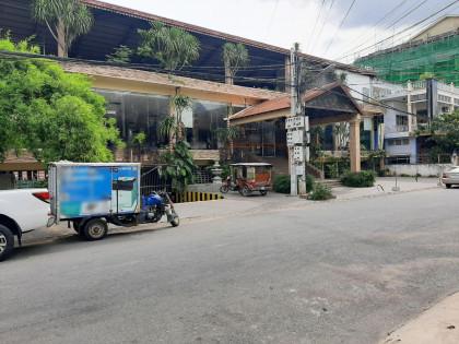 C-092-BUILDING IN TOUL SVAY PREY 2 Building in Phnom Penh