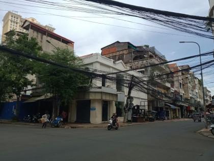 Flat House Near Phsar Kandal Flat in Phnom Penh