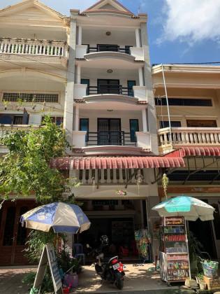 ផ្ទះល្វែងនៅបុរីសូនី Flat in Phnom Penh