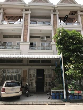 ផ្ទះក្នុងបុរីប៉េងហួតបឹងស្នោរ Flat in Phnom Penh