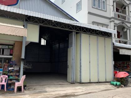 ឃ្លាំងនៅស្ទឺងមានជ័យ Warehouse in Phnom Penh