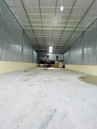 ឃ្លាំងជួលនៅផ្លូវ 2004 Warehouse in Phnom Penh