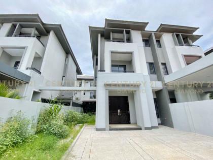 វីឡាភ្លោះ បុរីជីបម៉ុង ផាកលែន Villa in Phnom Penh