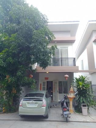 ផ្ទះវីឡានៅបុរីប៉េងហួតបឹងស្នោរ Villa in Phnom Penh
